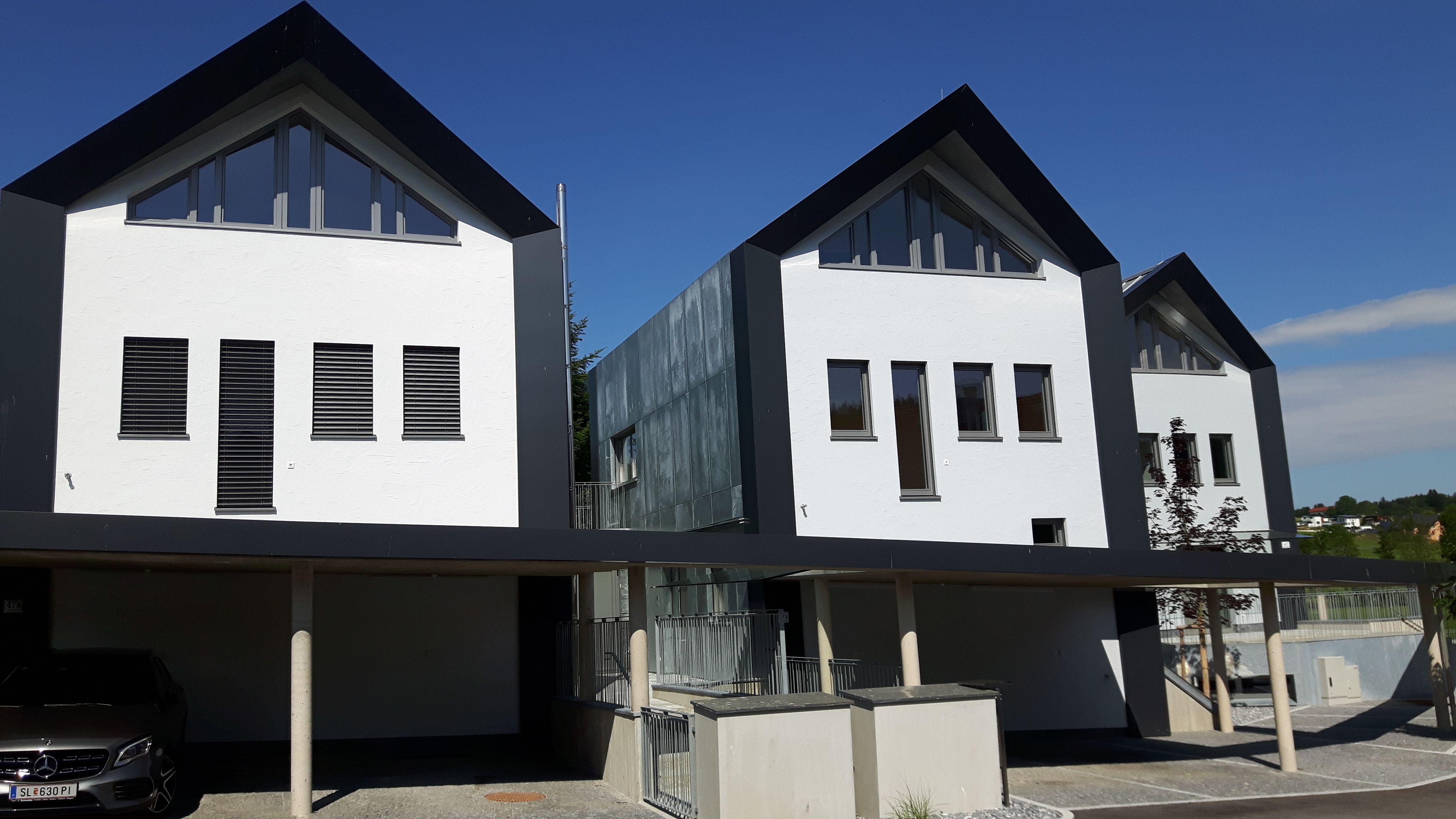 Fassade aus verzinktem Stahlblech, BV Obertrum